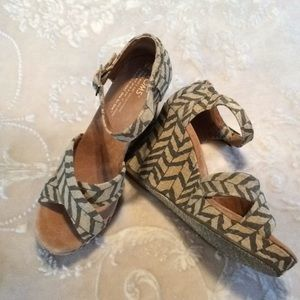 TOMS Natural Strappy Wedges 7.5